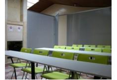 Aula de Training Tech y Sitio de Conferencias.